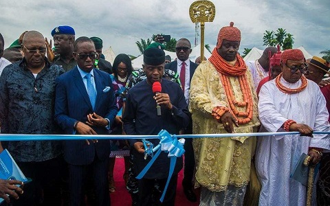 Vice President Osinbajo, Dr. Ifeanyi Okowa inaugurating housing units in Delta State